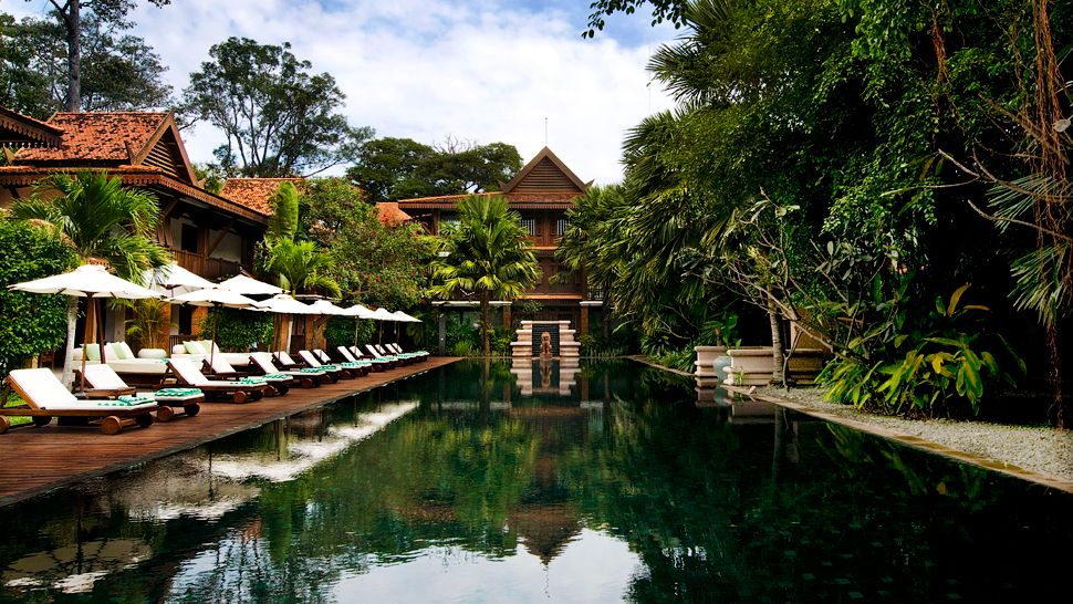 002643-11-outdoor-pool-jungle
