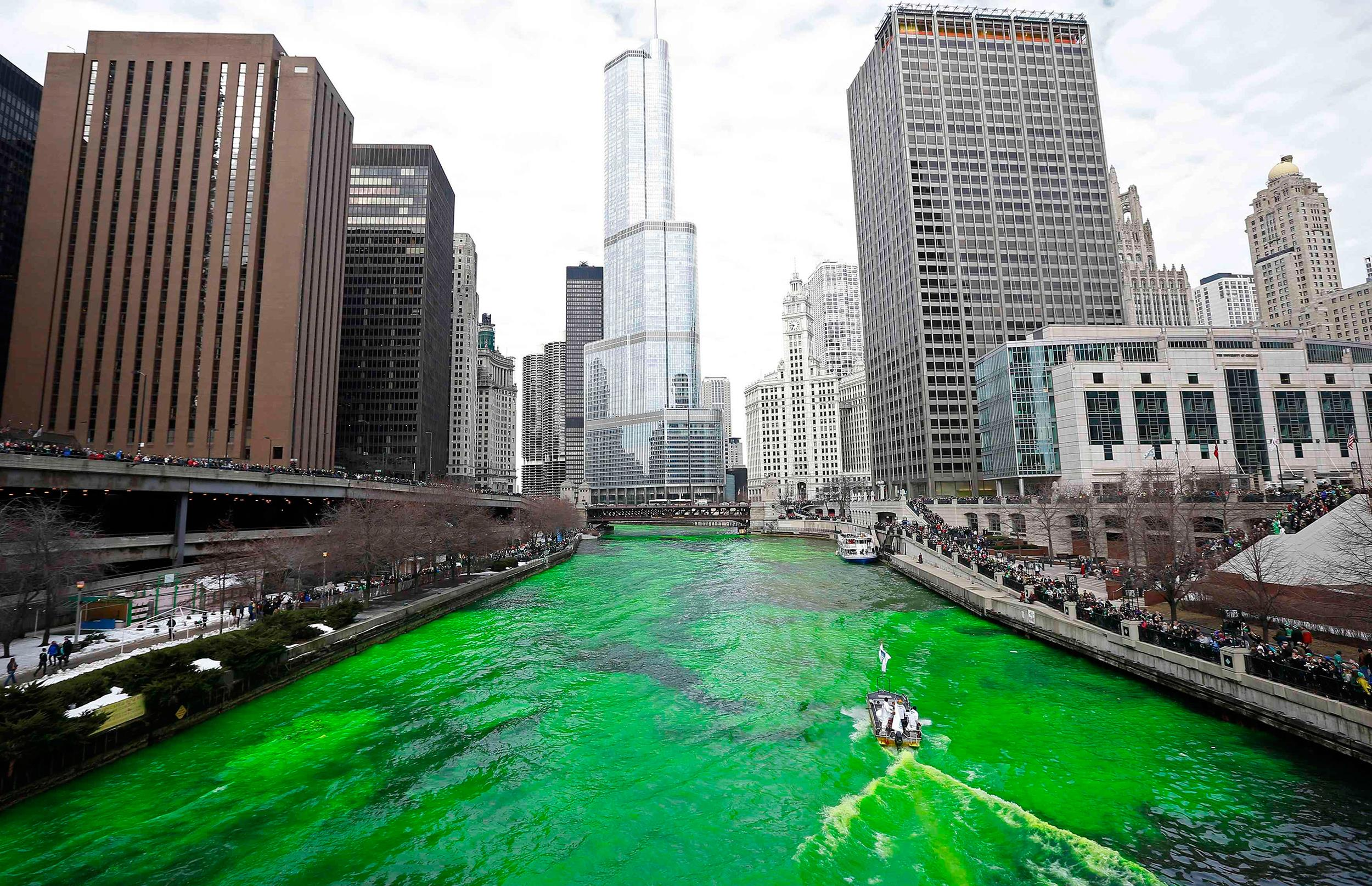 Chicago river green 3
