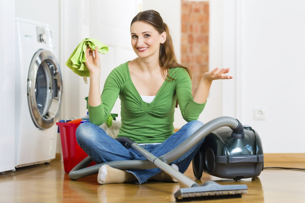 Woman at the spring cleaning