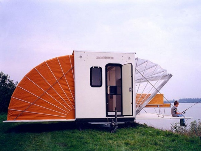 5804305-The-Marquis-Trailer-Transforms-into-the-Ultimate-Urban-Camper-02-1469455467-650-49475024f5-1470666571