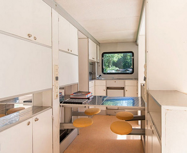 5804355-The-Marquis-Trailer-Transforms-into-the-Ultimate-Urban-Camper-08-1469456174-650-5b7041b1cf-1470666571